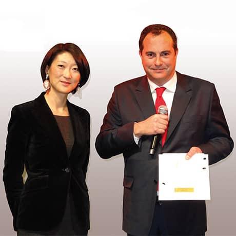 Madame Fleur Pellerin , Ministre déléguée chargée des PME3, de l'innovation et de l'économie numérique a remis le 22 janvier dernier le Trophée de l'INPI de l'innovation à Pierre Marie Lemer, PDG de Lemer Pax