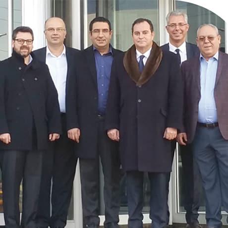 Pierre-Marie Lemer entouré par l'équipe dirigeante de Moltek
