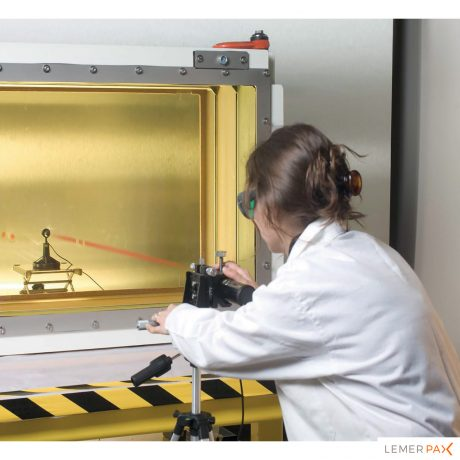 Contrôle qualité pour les dalles et hublots en verre au plomb