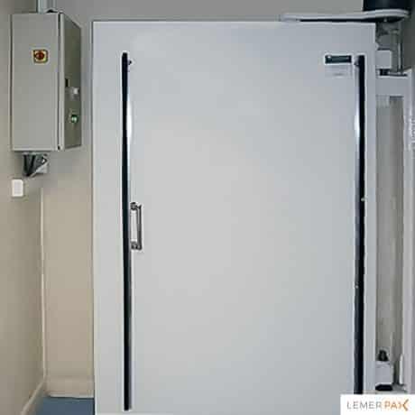 Réalisation de portes de bunker de radiothérapie