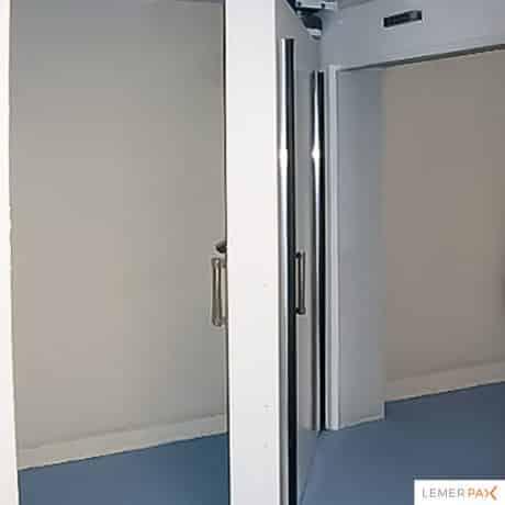 Réalisation de portes battantes de bunker de radiothérapie
