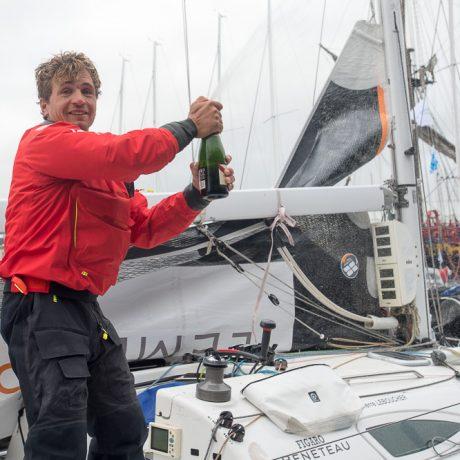 Pierre Le Boucher (Ardian) 1er bizuth de la 4eme etape de la Solitaire Urgo Le Figaro 2017 entre Concarneau et Dieppe - le 23/06/2017